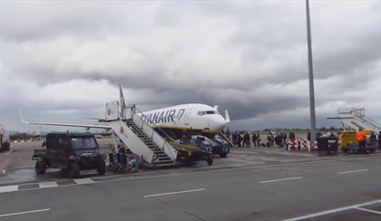 RIMINI: Aeroporto, riempimento primi voli Ryanair all'81% | VIDEO