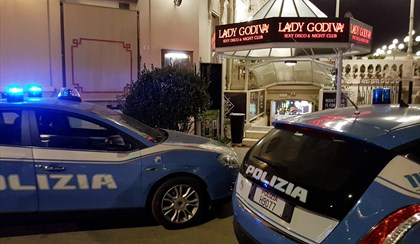 RIMINI: Droga e prostituzione, blitz all'alba al Lady Godiva | VIDEO