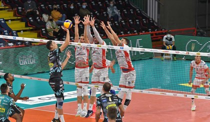 VOLLEY: Torna da Perugia senza punti, la Sir Safety batte la Consar Ravenna 3-0