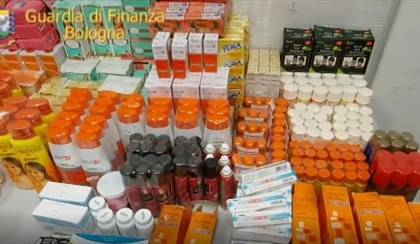 BOLOGNA: 100 chili di farmaci e cosmetici sequestrati all'aeroporto Marconi | VIDEO
